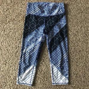 Athleta Blue and White Cropped Yoga Pants M